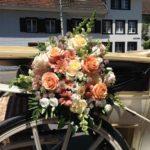 Hochzeitskutsche mit Gesteck