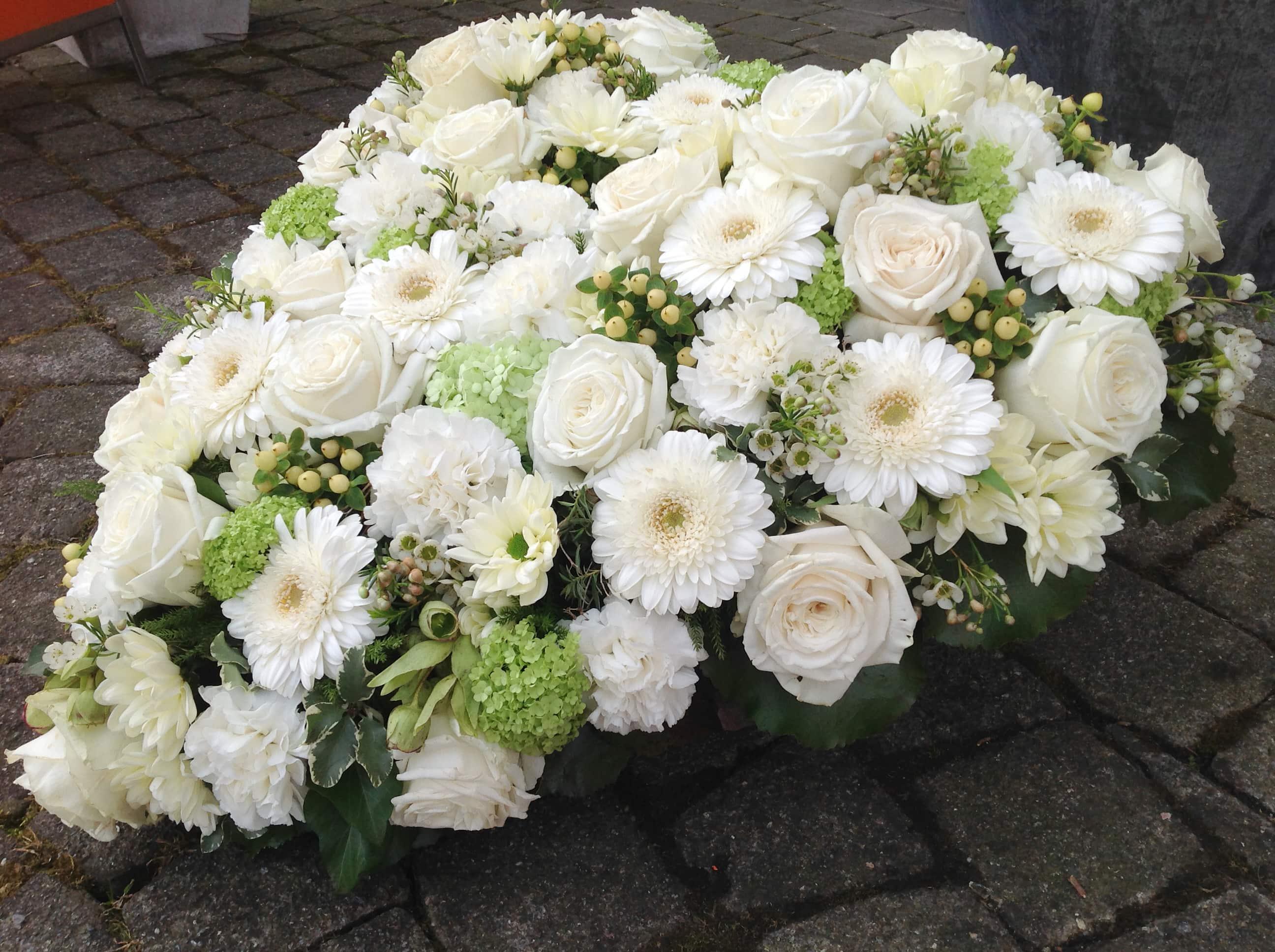 Trauer Beerdigung Herz weiss