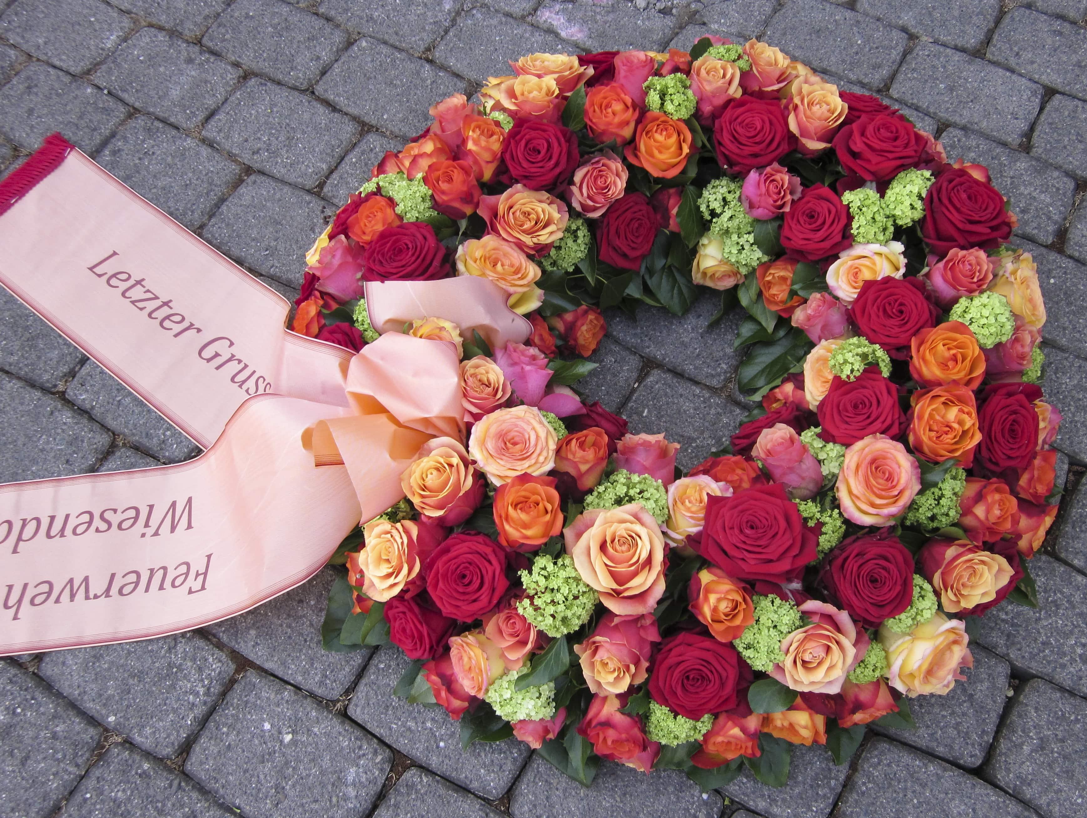 Trauer Beerdigung Kranz rot orange mit Schlaufe